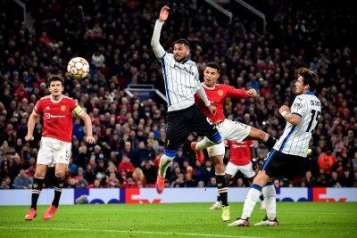 Юнайтед напомни за славното си минало с обрат от 0:2 до 3:2 срещу Аталанта