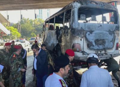 Атака срещу военен автобус в Дамаск взе 13 жертви