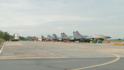 """Синът на загиналия военен пилот съди авиобаза """"Граф Игнатиево"""""""