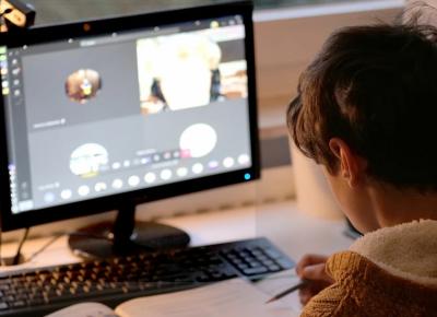 Още училища минават на онлайн обучение заради ръст в случаите на COVID-19
