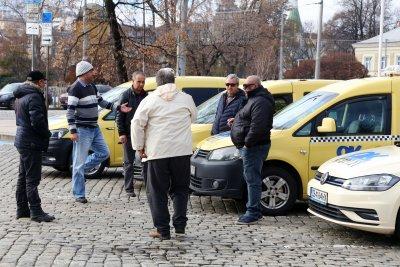 Таксиметровият синдикат излиза на две протестни акции в София