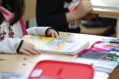 Какво достига до децата ни: Учителка плаши, че от ваксините се умира