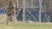 снимка 7 Хиляди мигранти остават блокирани на границата с Турция