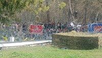 снимка 4 Хиляди мигранти остават блокирани на границата с Турция