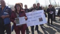Протест заради жертва на пътя спря за час движението по пътя Бургас-Созопол