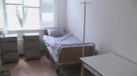 Младеж, оставен под карантина в болницата в Бяла Слатина, се оплака от условията