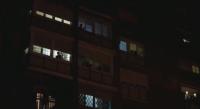 Блокирани в дома си жители на Мадрид аплодираха усилията на медицинските работници срещу заразата