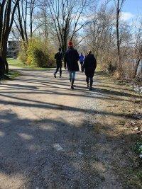снимка 4 В Мюнхен не спазват мерките срещу COVID-19, парковете са пълни с хора