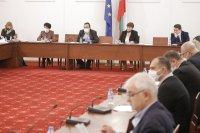 Правната комисия реши: Държавата да поеме и осигуровките по схемата 60/40