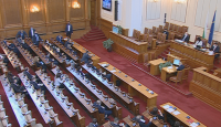 Депутатите гласуват промени в закона за извънредното положение