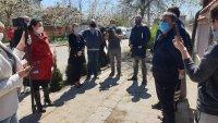 Министър Танева се срещна с производители на разсад в Съединение