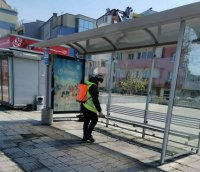 В Пловдив ежедневно дезинфекцират 400 автобусни спирки