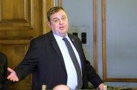 Каракачанов внесе в МС 4 спешни мерки за подпомагане на част от земеделския сектор