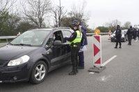 Десетки върнати автомобили и тази вечер на входовете на София