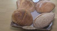 Доброволци месят хляб в Русе и го раздават на нуждаещи се хора