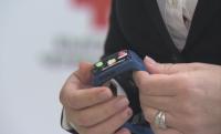 Смарт гривни могат да бъдат дадени на хора под карантина с тежки хронични заболявания