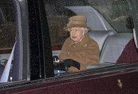снимка 6 Кралица Елизабет II навършва 94 години