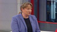 Министър Сачева: Родители на деца до 14 години също ще могат да ползват еднократна помощ