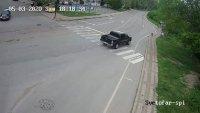 Шофьор с 2.78 промила връхлетя върху спирка в Бяла