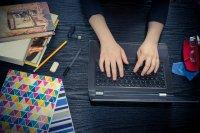МОН отпуска 1,6 млн. лв., за да имат учениците достъп до интернет