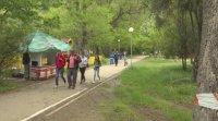 Парк Бачиново в Благоевград се напълни със спортуващи след отпускане на мерките