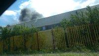 снимка 1 Гори склад за строителни материали в Пловдив (Снимки)