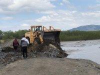 снимка 7 Проверяват има ли замърсяване на реките след скъсването на дигата в Перник
