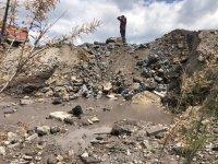 снимка 2 Проверяват има ли замърсяване на реките след скъсването на дигата в Перник