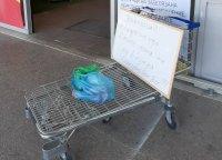 Доброволци събират храна за нуждаещи се във Варна