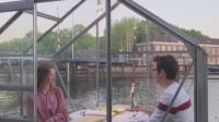 Стъклени кабини пред ресторант в Нидерландия