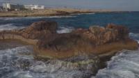Учени: COVID-19 не вирее в морска вода и топъл пясък