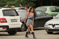 снимка 10 Въпреки мерките: Абитуриенти празнуват в центъра на София (СНИМКИ)