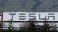 """Мъск отваря фабриката на """"Тесла"""", въпреки щатските разпоредби"""