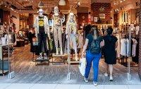 снимка 10 Моловете отвориха врати. Как работят магазините? (СНИМКИ)