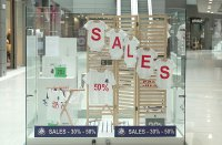 снимка 8 Моловете отвориха врати. Как работят магазините? (СНИМКИ)