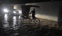 Тревога в Индия и Бангладеш. Тече евакуация в очакване на мощен циклон