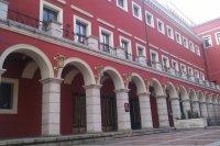 Драматичният театър в Пловдив излиза от залата. Постановки сред природата