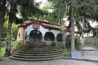 снимка 1 Драгалевският манастир – спокойствие край София