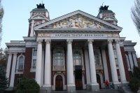 Народният театър отваря врати на две сцени от 10 юни