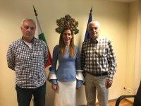 Ангелкова и ръководството на БЧК обсъдиха мерки за морските спасители през летния сезон