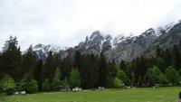 Пролетта и зимата се срещат на Кирилова поляна (Снимки)