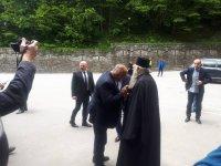 Премиерът в Рилския манастир. На четири очи говори с Дядо Евлогий