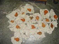 снимка 3 В кашони, на пода, край тръби - нови антики в офисите на Васил Божков (СНИМКИ)