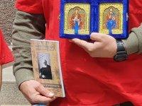 снимка 1 Жест за 1 юни: Патриарх Неофит направи дарение за децата на медиците от Бърза помощ