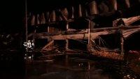 снимка 2 Двама души са леко обгорели при пожара на борсата край Петрич, няма опасност за живота им