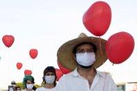снимка 2 Червени балони в памет на жертвите на COVID-19 в Бразилия