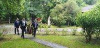 Дипломатите ни от посолството на България в Букурещ почетоха подвига на Ботев