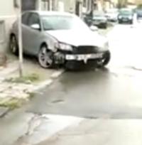 Неадекватен шофьор от Варна помете няколко коли, блъсна жена и се заби в стълб