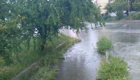 Силен порой с гръмотевици се изля в Дупница