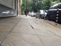 снимка 5 Столичен блок пропада в тротоар от години, тепърва търсят каква е причината
